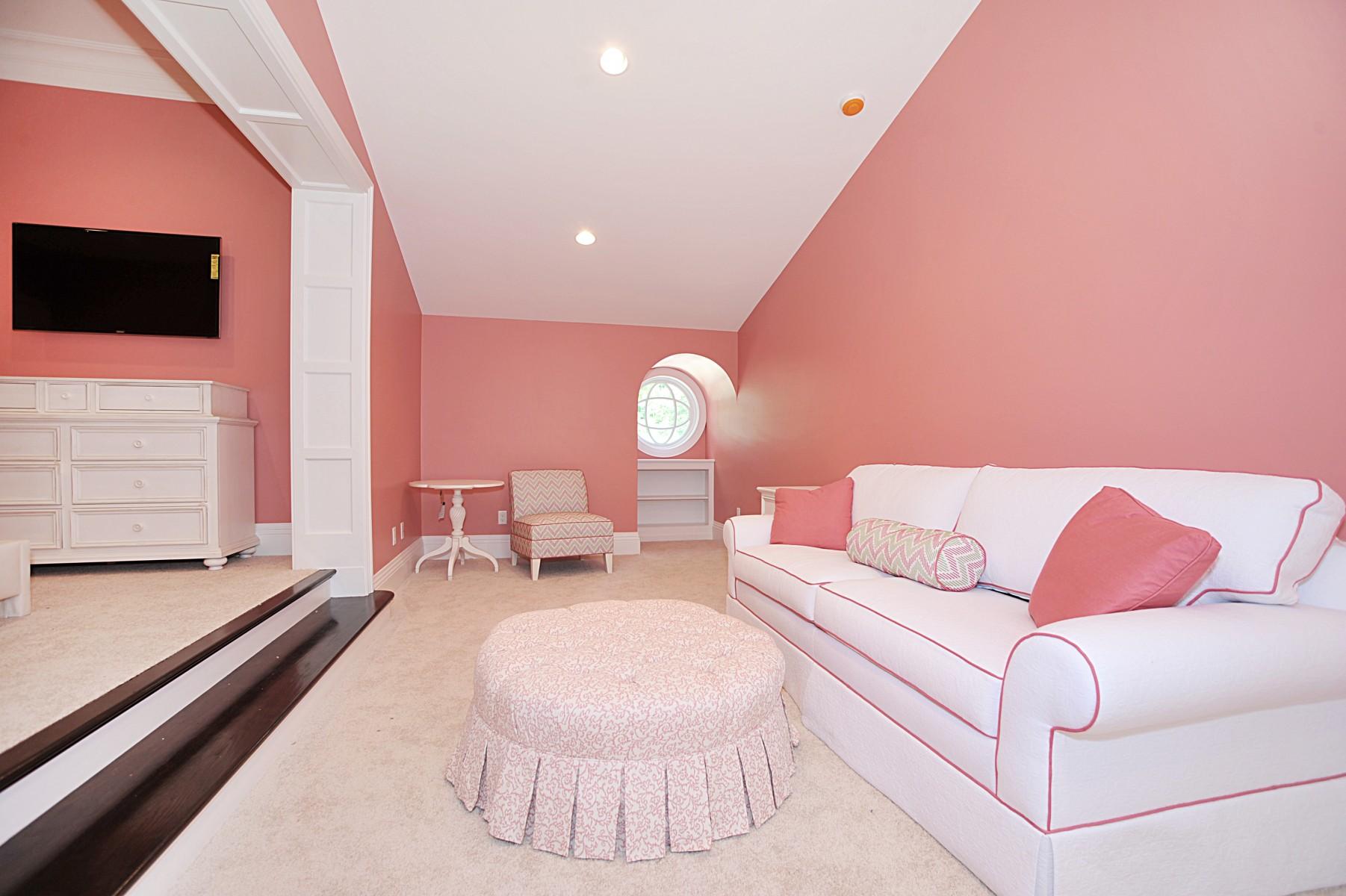 Interior13